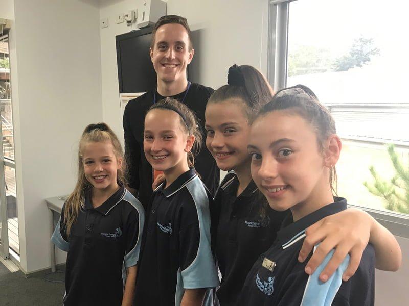 MtEvelyn Stem Grils 2019 Team