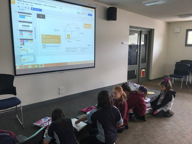 stem-girls-working